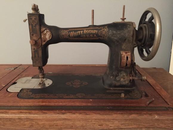 1913 White Rotary treadle sewing machine restoration